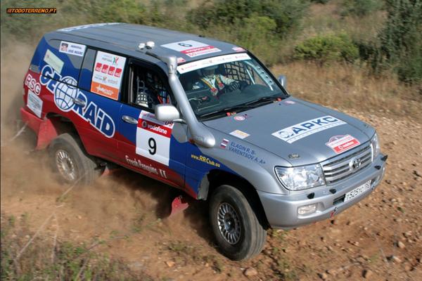 Toyota Land Cruiser 100 T2 del equipo Geo-Raid