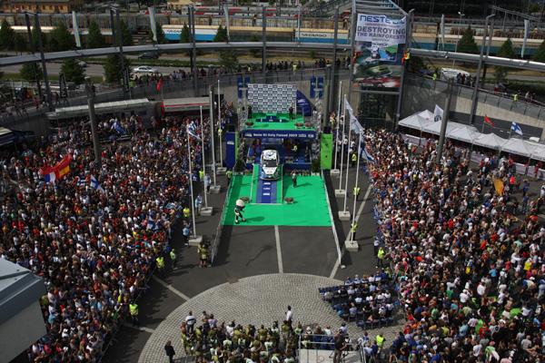 El Rally de Finlandia, como de costumbre, reunió a miles de aficionados venidos de los cinco continentes
