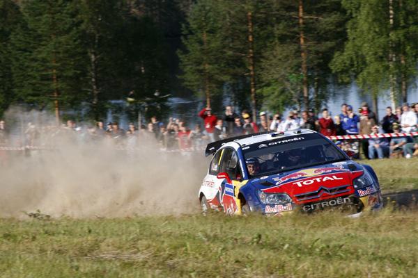 Sebastien Loeb es segundo a 3,3 segundos de Hirvonen, la victoria se venderá cara