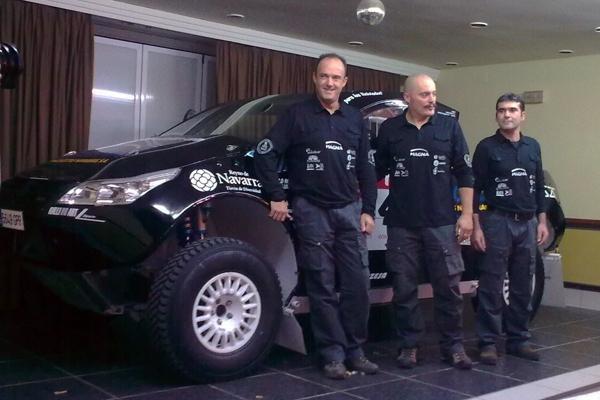 Contín, Rodríguez y Bernardo junto al remodelado Proto
