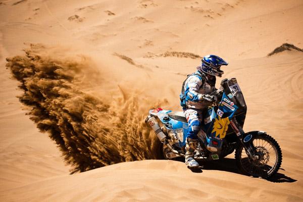 A pesar de quedarse sin freno trasero Laurent Lazard ha mantenido su posición en este Dakar que está siendo extremadamente duro