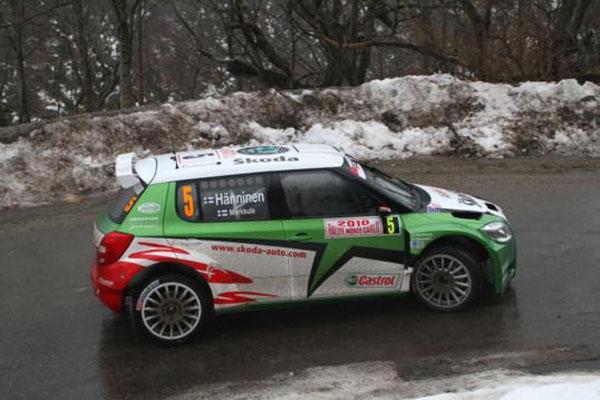 Juho Hanninen es uno de los aspirantes al podio, aunque lo tiene dificil para pillar a Hirvonen y hacerse con el primer puesto