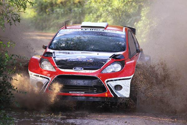 Federico Villagra al volante de un Ford Fiesta S2000 fue uno de los grandes animadores de esta 30 edición del Rally Argentina
