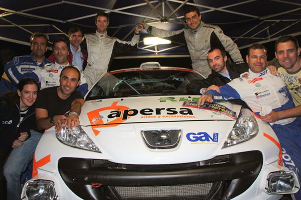 La alegría de Perez era enorme al vencer en el Rally de casa