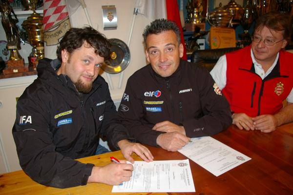 Laurent Lazard, David Casteu y el representante del Club Mónaco