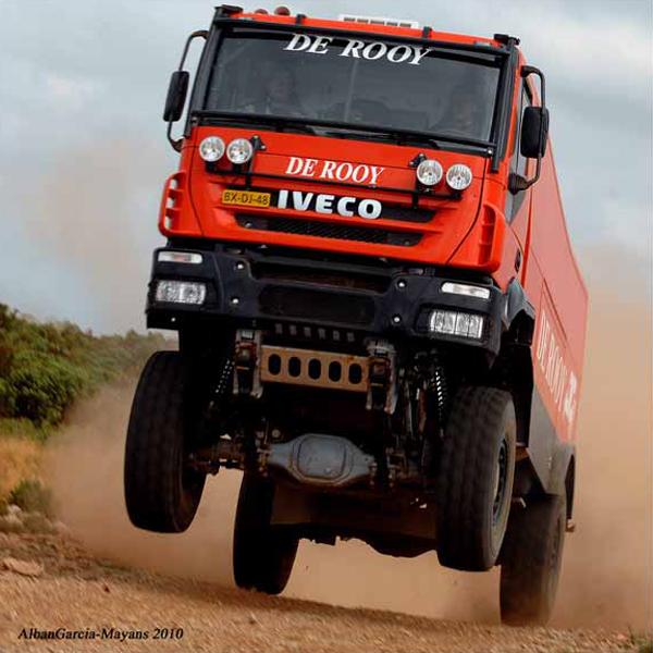 El equipo De Rooy apunta alto en el Dakar 2011