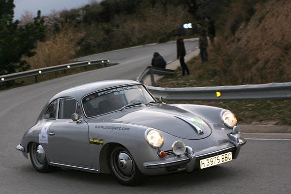 La clase E fue para el binomio Urpi-Urpi con este precioso Porsche 356