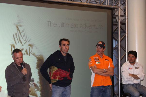 Pep Vila, Nani Roma y Marc Coma junto a David Castera