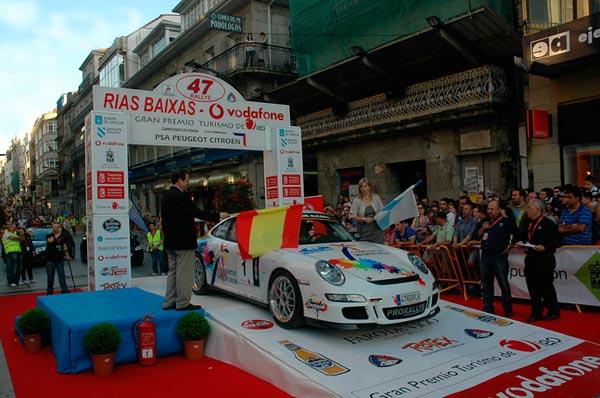 El alicantino plantó cara a Xevi Pons, pero finalmente tuvo que conformarse con el segundo peldaño del podio gallego