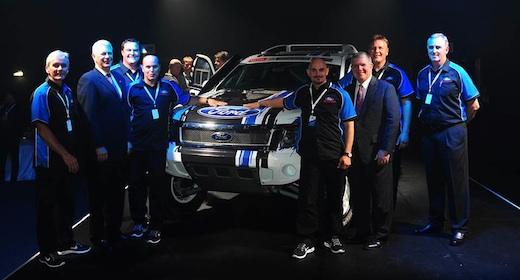 Lucio Álvarez con la nueva Ford Ranger