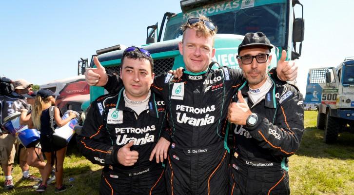 Gerard De Rooy y Moi Torrallardona ganan el Dakar