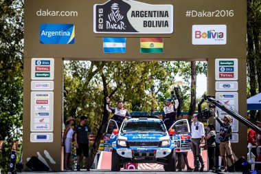 Xavier-Pons-and-Ricardo-Torlaschi-at-the-start-of-the-Dakar-Rally-before-they-finished-third-on-the-Prologue-stage-in-heir-Ford-Ranger.