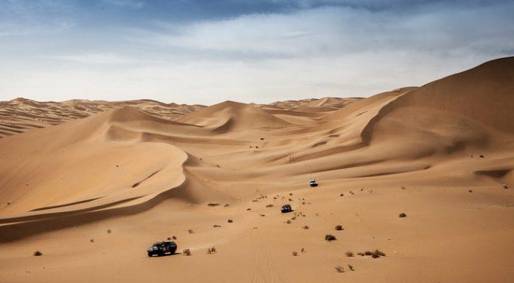 El equipo de reconocimiento del Silk Way Rally sigue su ritmo